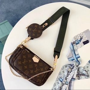 Louis Vuitton 3 in 1 Pochette accessories G